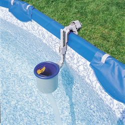 Pool surface skimmer